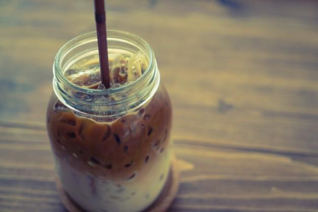 Café con Hielo - Portada
